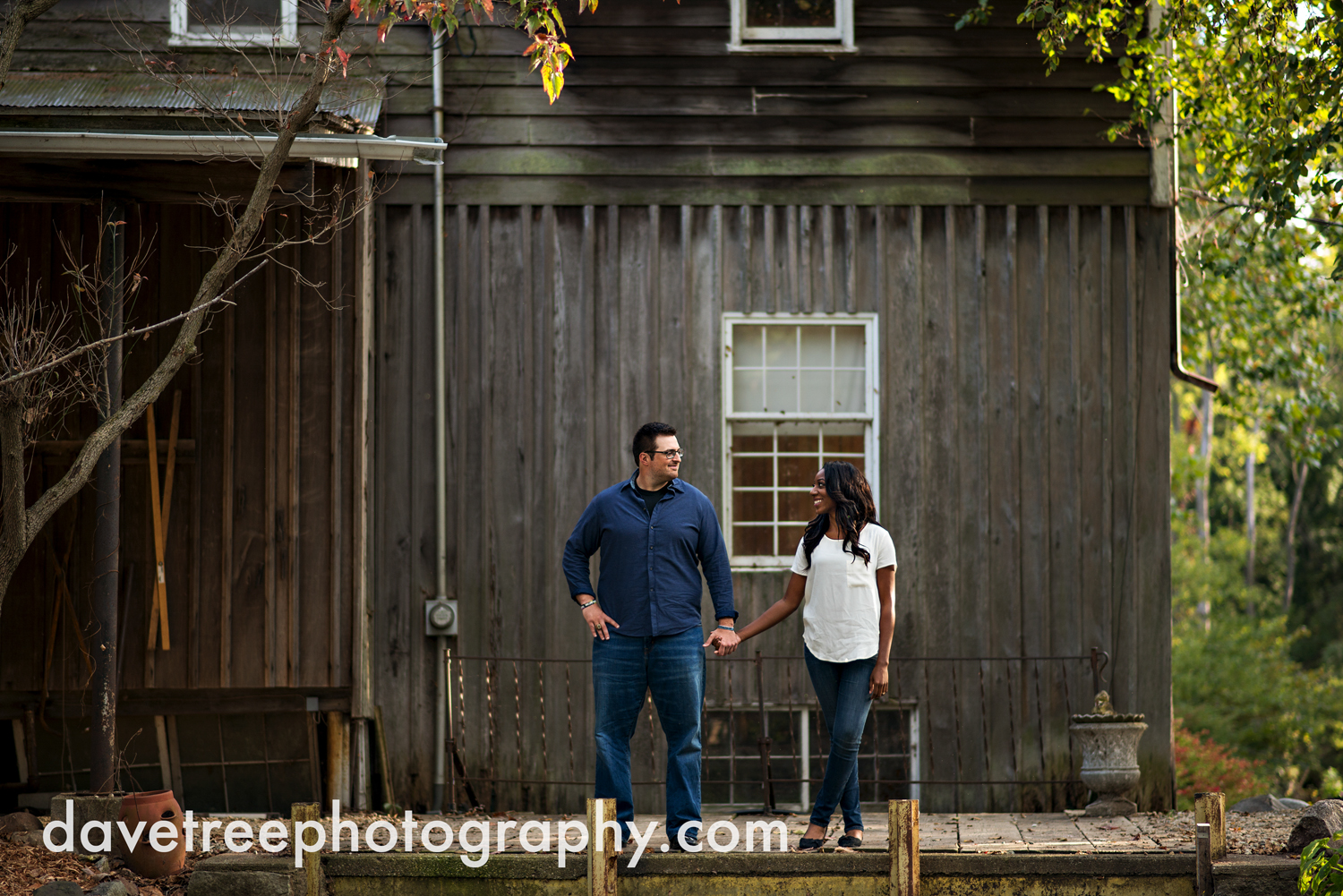 kalamazoo_wedding_photographer_kalamazoo_engagement_photographer_04.jpg