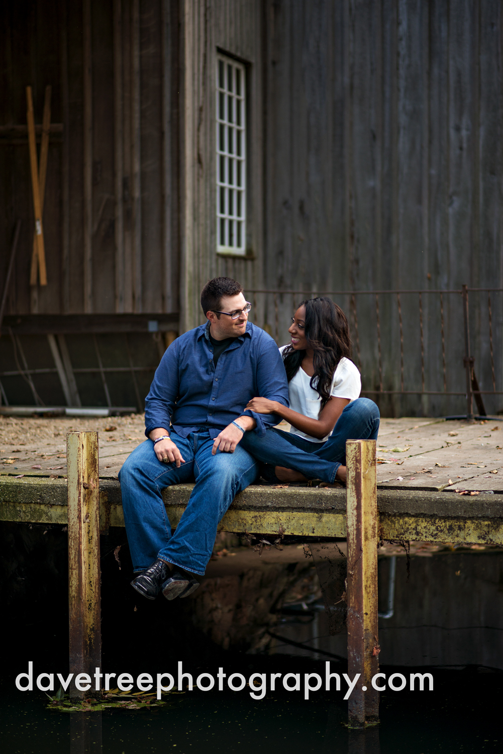 kalamazoo_wedding_photographer_kalamazoo_engagement_photographer_05.jpg