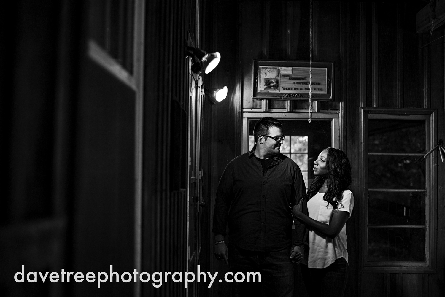 kalamazoo_wedding_photographer_kalamazoo_engagement_photographer_07.jpg