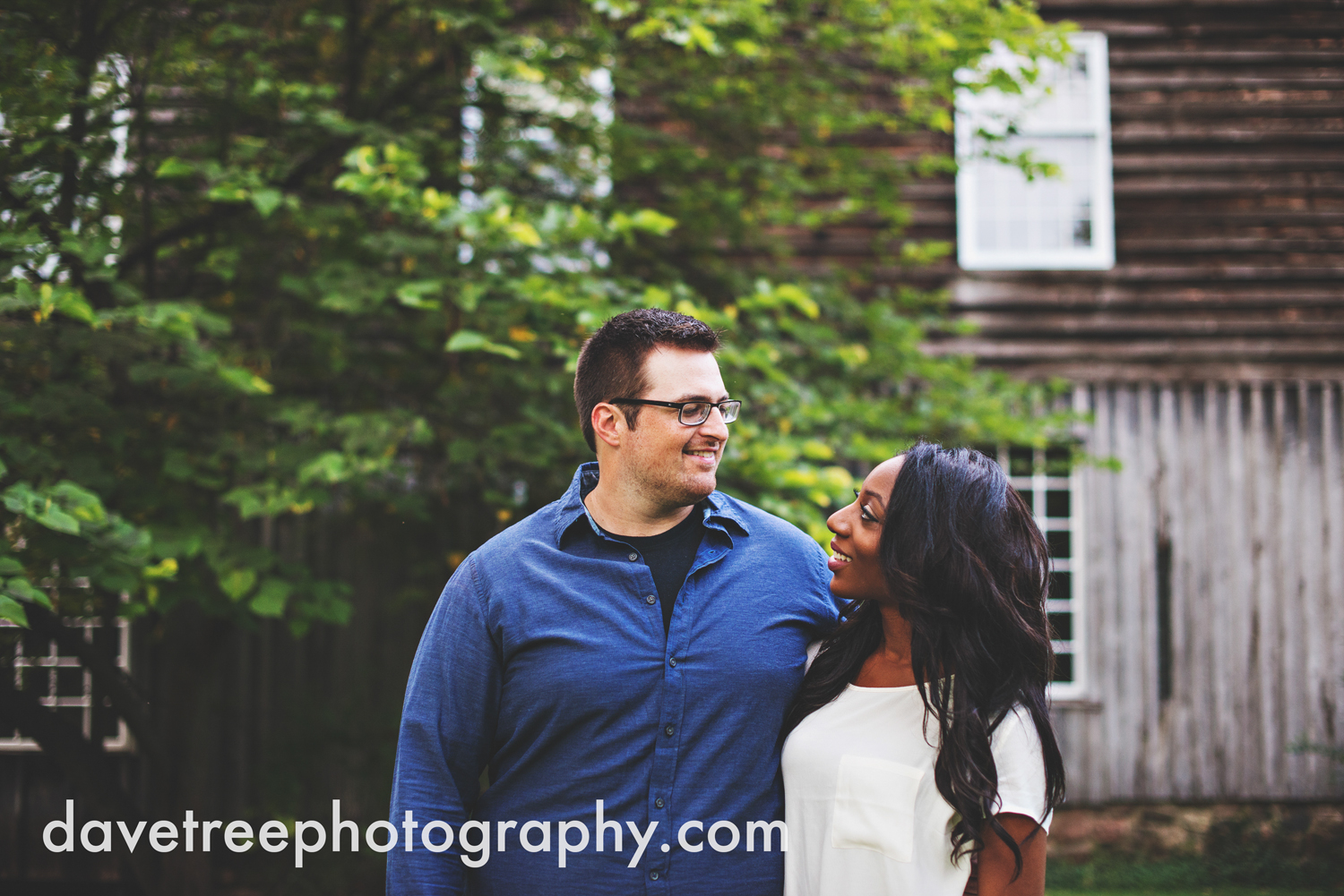 kalamazoo_wedding_photographer_kalamazoo_engagement_photographer_10.jpg