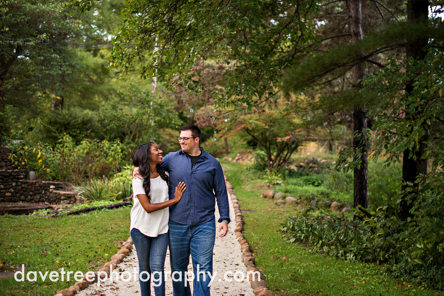 kalamazoo_wedding_photographer_kalamazoo_engagement_photographer_11.jpg