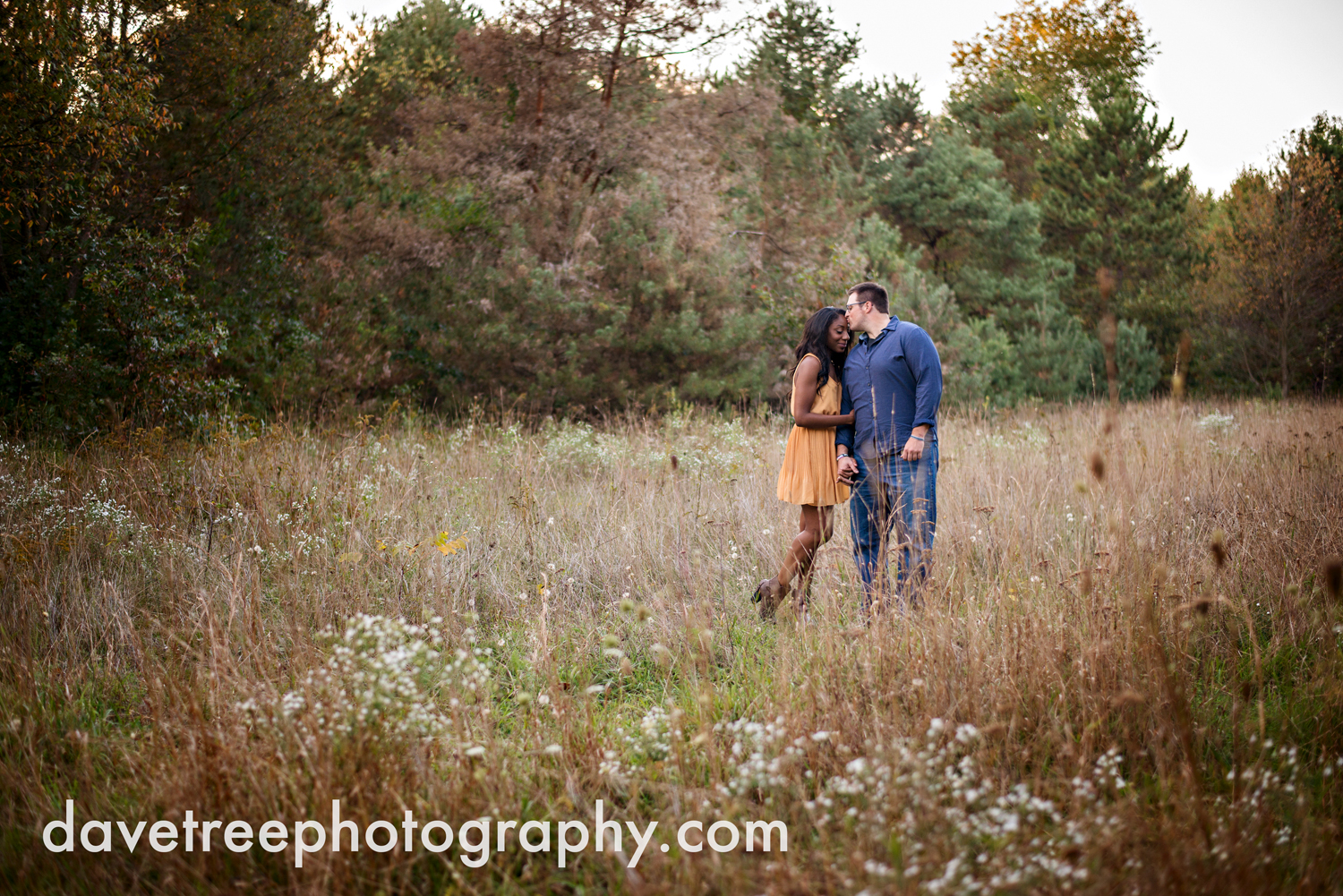 kalamazoo_wedding_photographer_kalamazoo_engagement_photographer_27.jpg