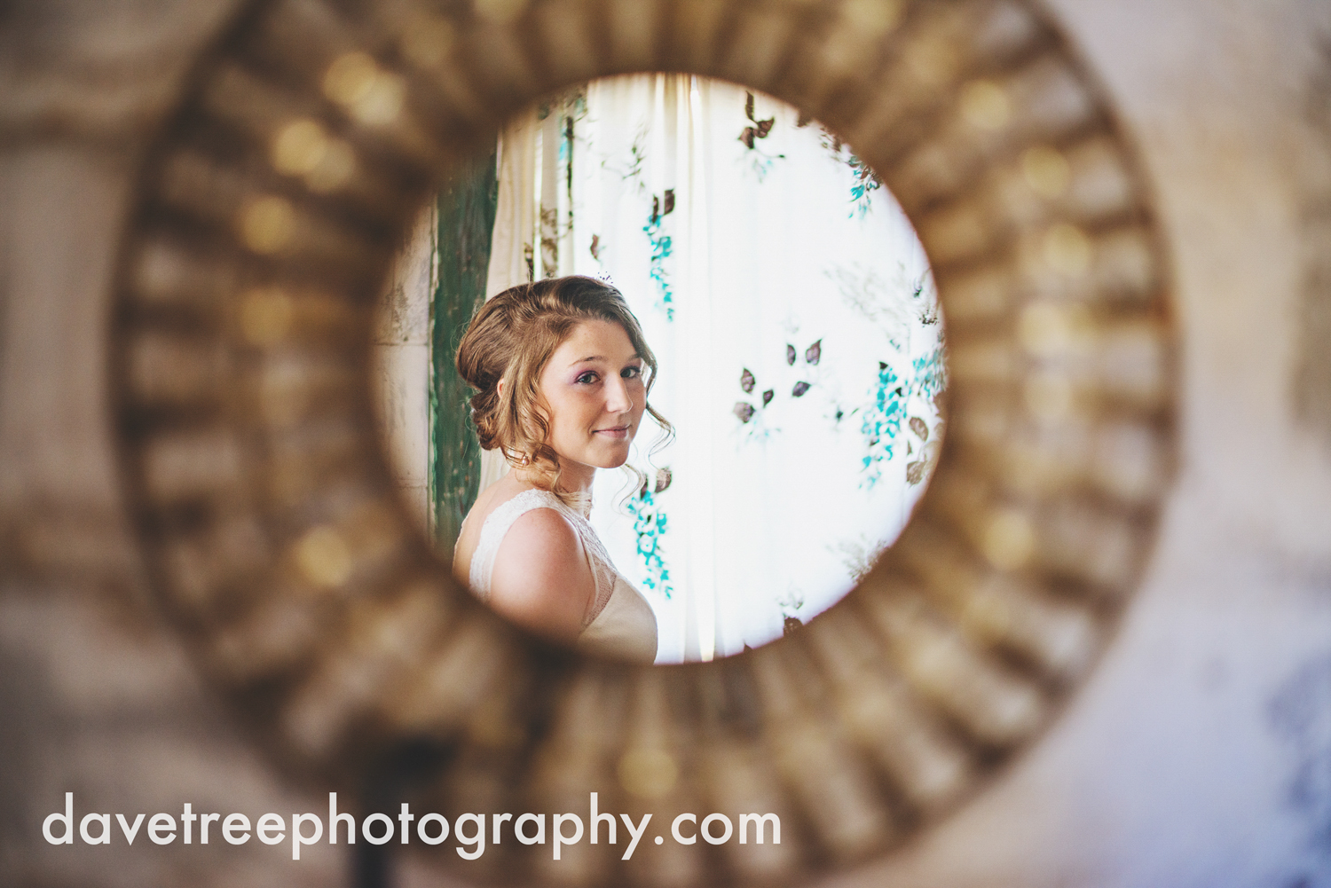benton_harbor_wedding_photographer_blue_dress_barn_05.jpg