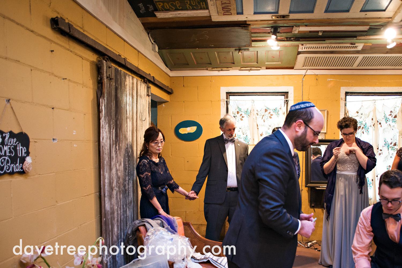 benton_harbor_wedding_photographer_blue_dress_barn_105.jpg