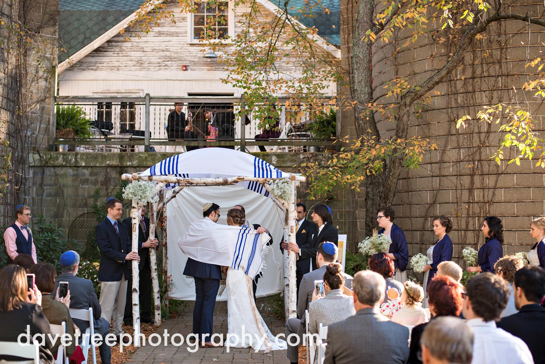 benton_harbor_wedding_photographer_blue_dress_barn_33.jpg