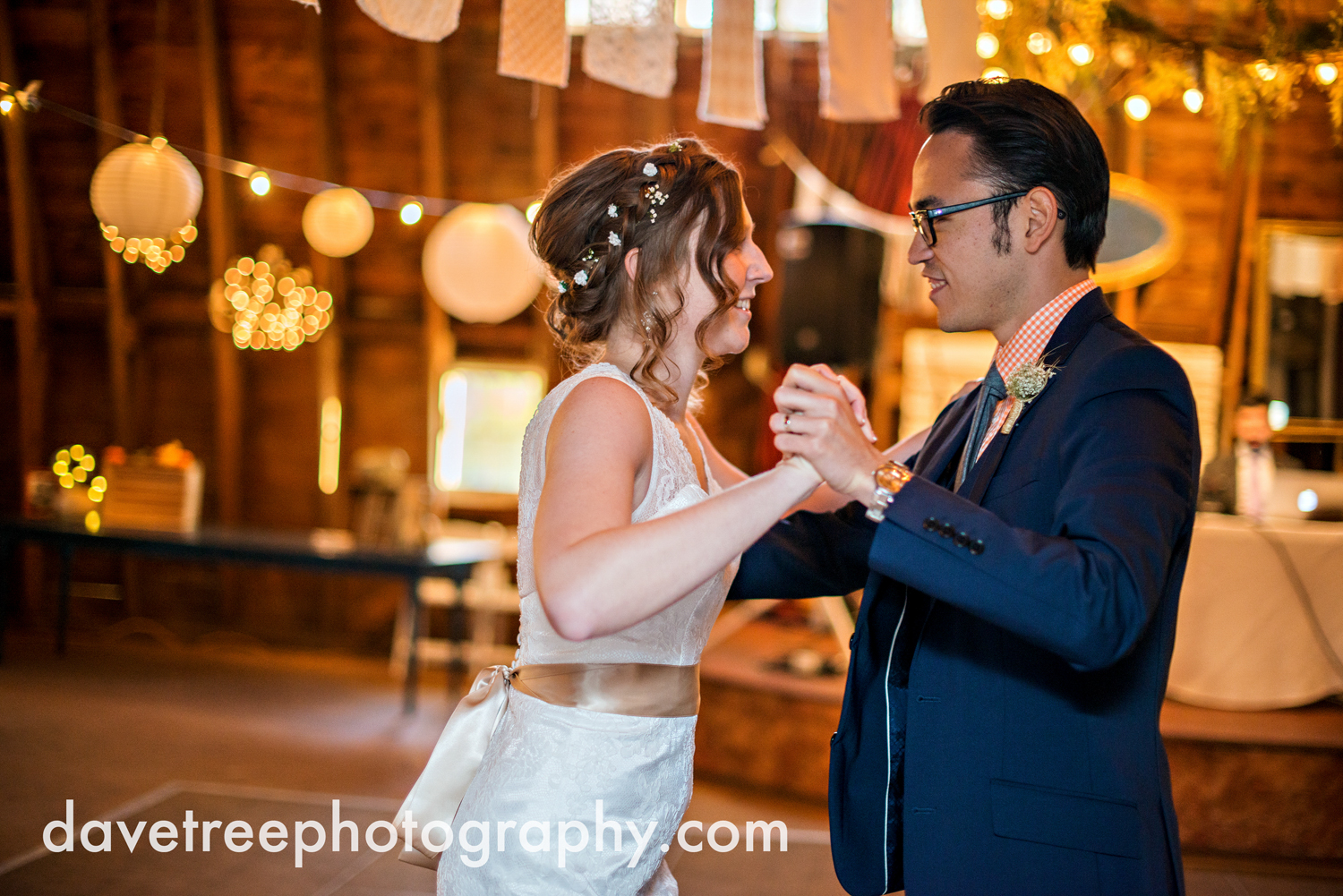 benton_harbor_wedding_photographer_blue_dress_barn_108.jpg