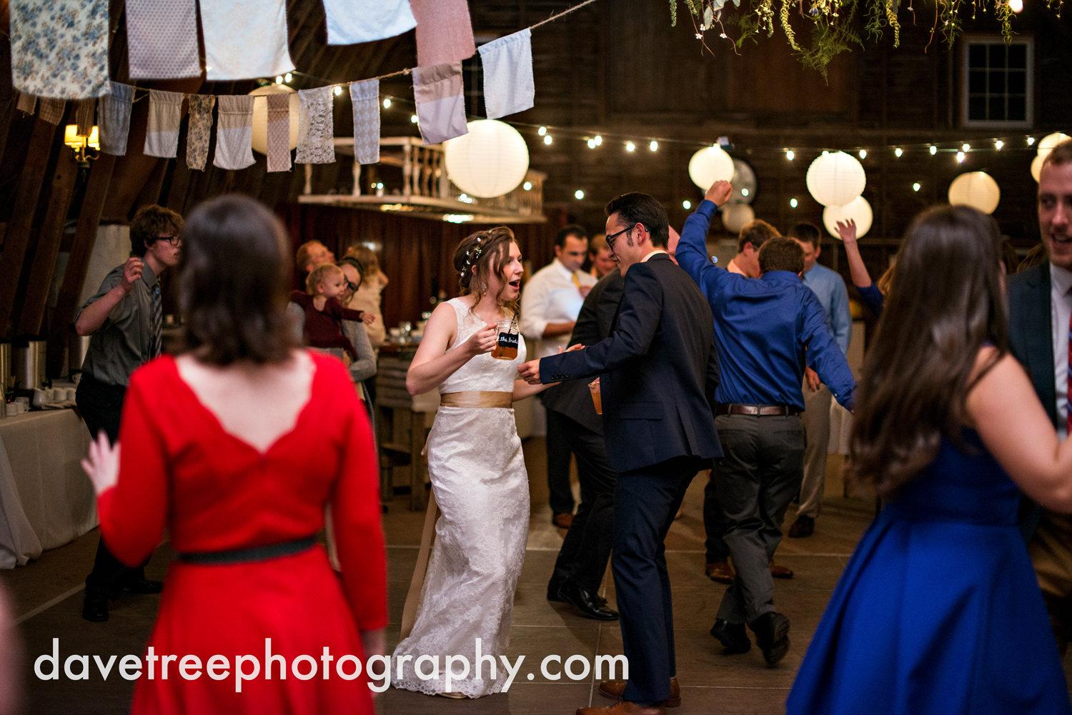 benton_harbor_wedding_photographer_blue_dress_barn_53.jpg