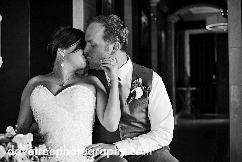 loft310_wedding_photographer_kalamazoo_wedding_photographer_320.jpg