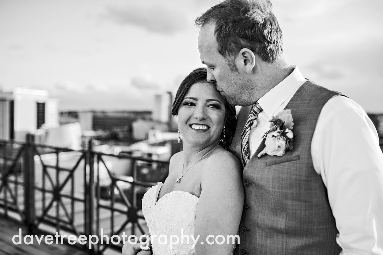 loft310_wedding_photographer_kalamazoo_wedding_photographer_315.jpg