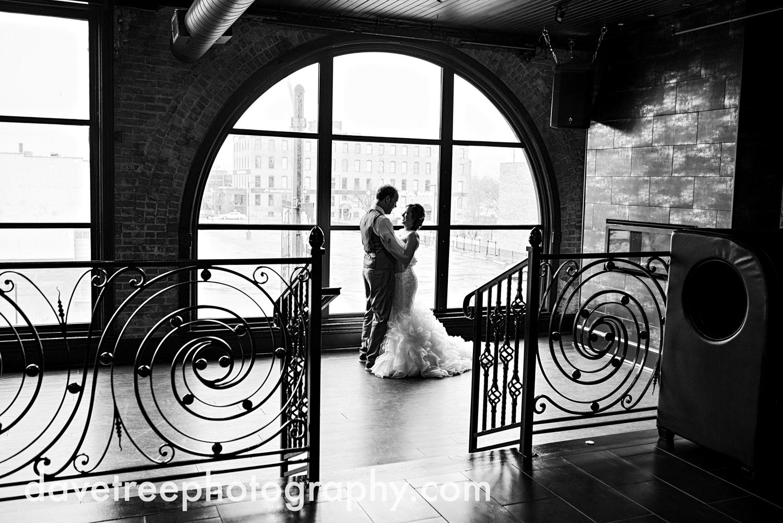 loft310_wedding_photographer_kalamazoo_wedding_photographer_311.jpg