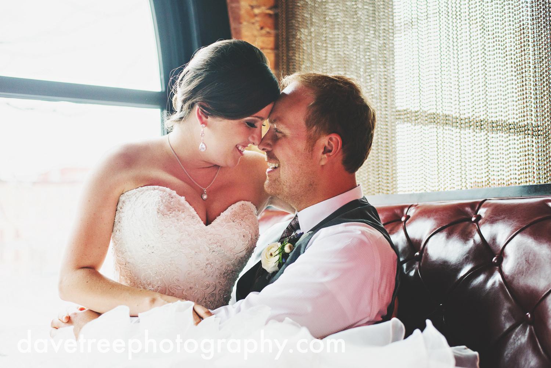 loft310_wedding_photographer_kalamazoo_wedding_photographer_321.jpg