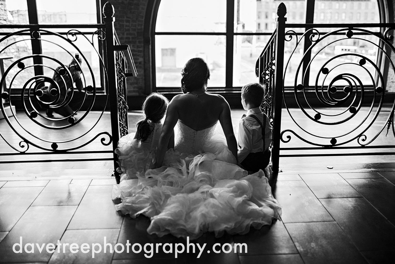 loft310_wedding_photographer_kalamazoo_wedding_photographer_404.jpg