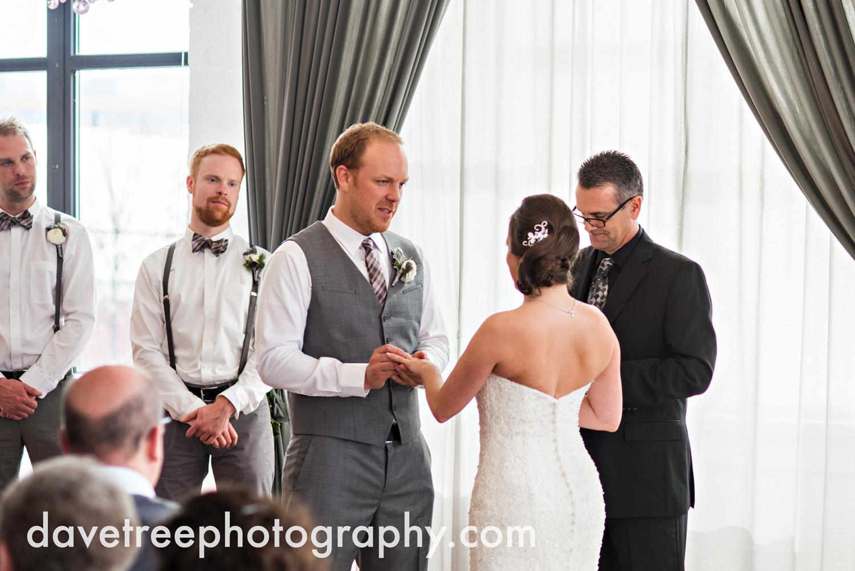 loft310_wedding_photographer_kalamazoo_wedding_photographer_335.jpg