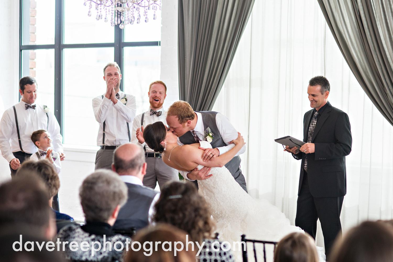 loft310_wedding_photographer_kalamazoo_wedding_photographer_337.jpg