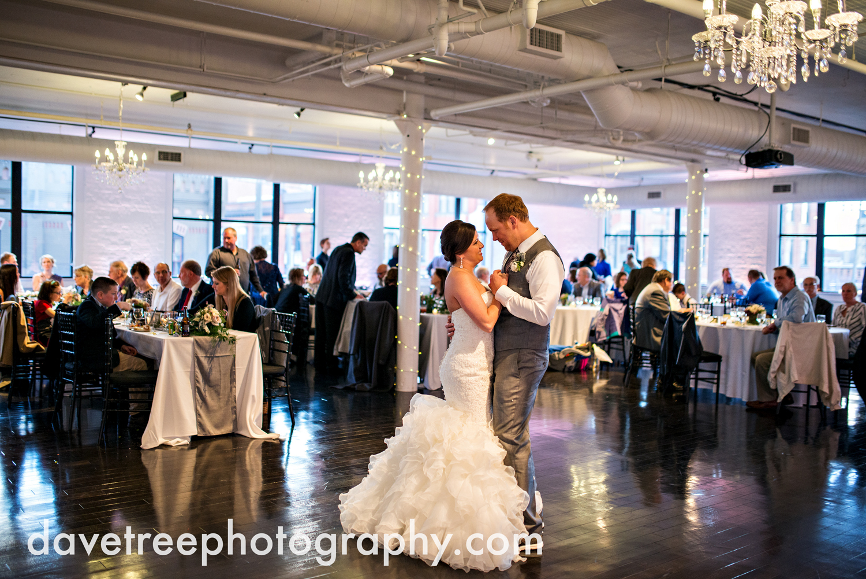 loft310_wedding_photographer_kalamazoo_wedding_photographer_365.jpg
