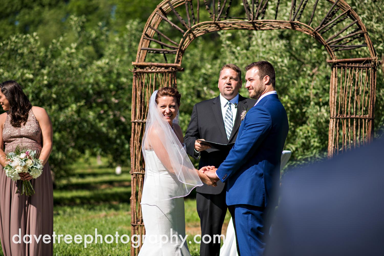 michigan_vineyard_wedding_photographer_davetree_photography_360.jpg