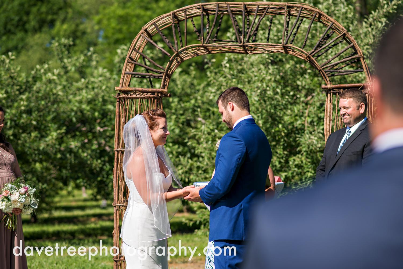 michigan_vineyard_wedding_photographer_davetree_photography_361.jpg