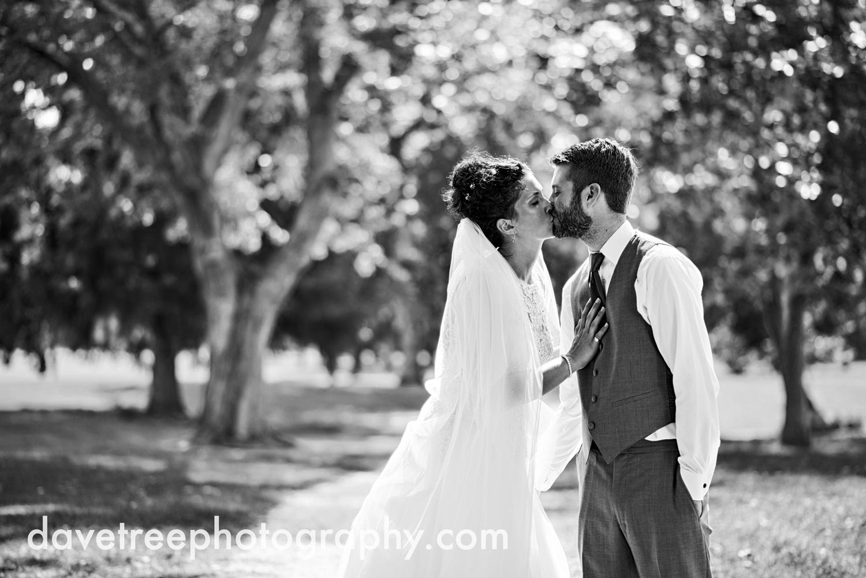 brooklyn_wedding_photographer_brooklyn_michigan_141.jpg