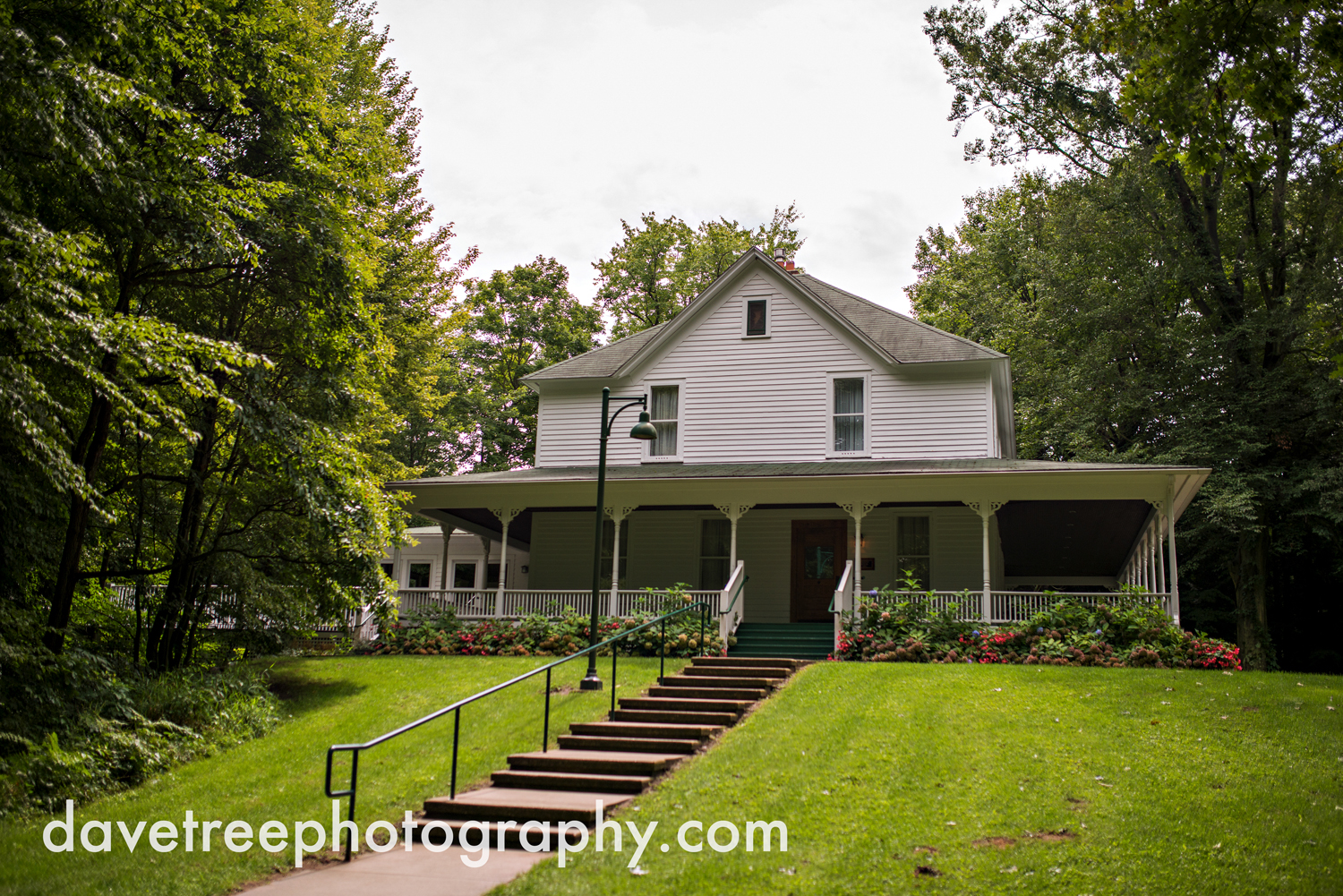 grand_haven_wedding_photographer_weaver_house_wedding_86.jpg