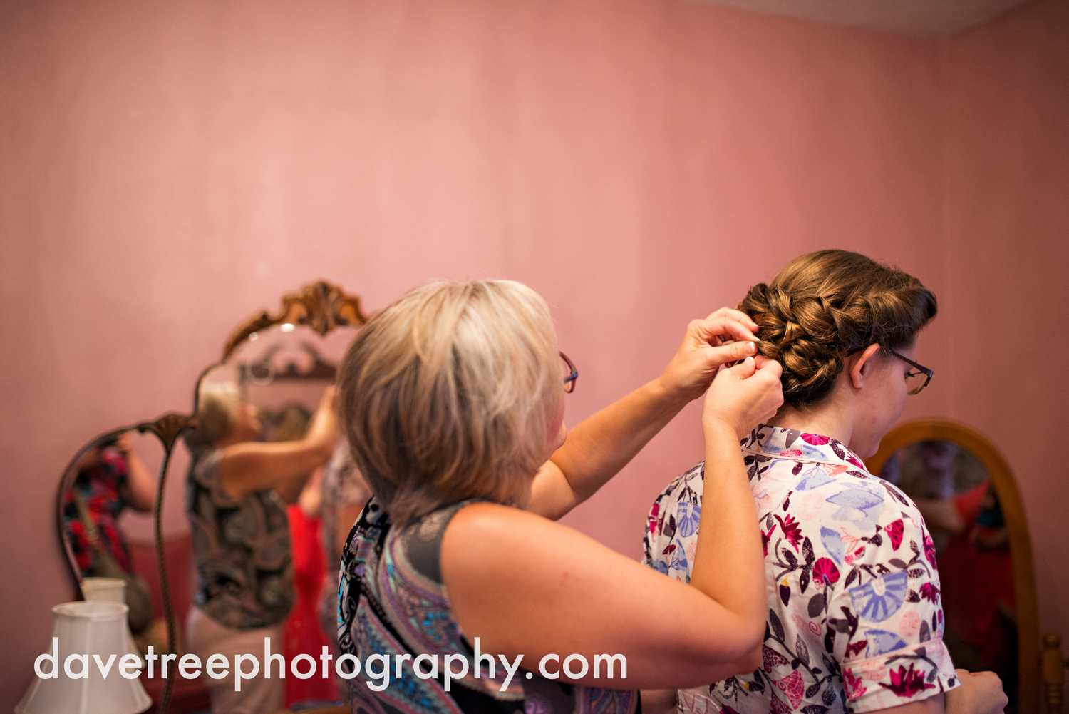 grand_haven_wedding_photographer_weaver_house_wedding_098.jpg