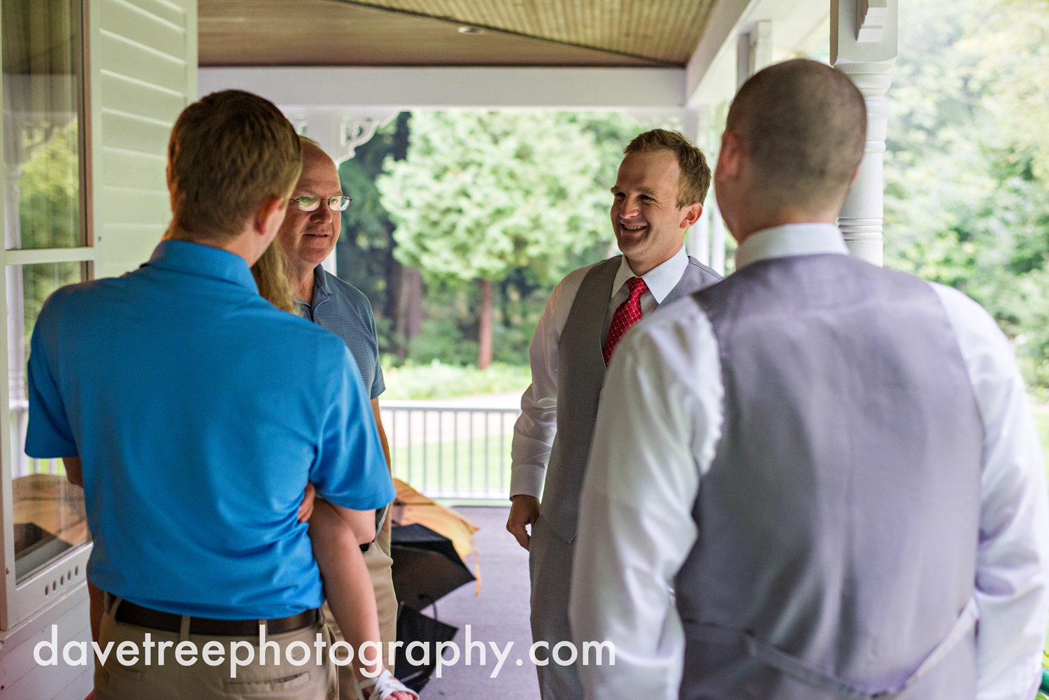 grand_haven_wedding_photographer_weaver_house_wedding_117.jpg