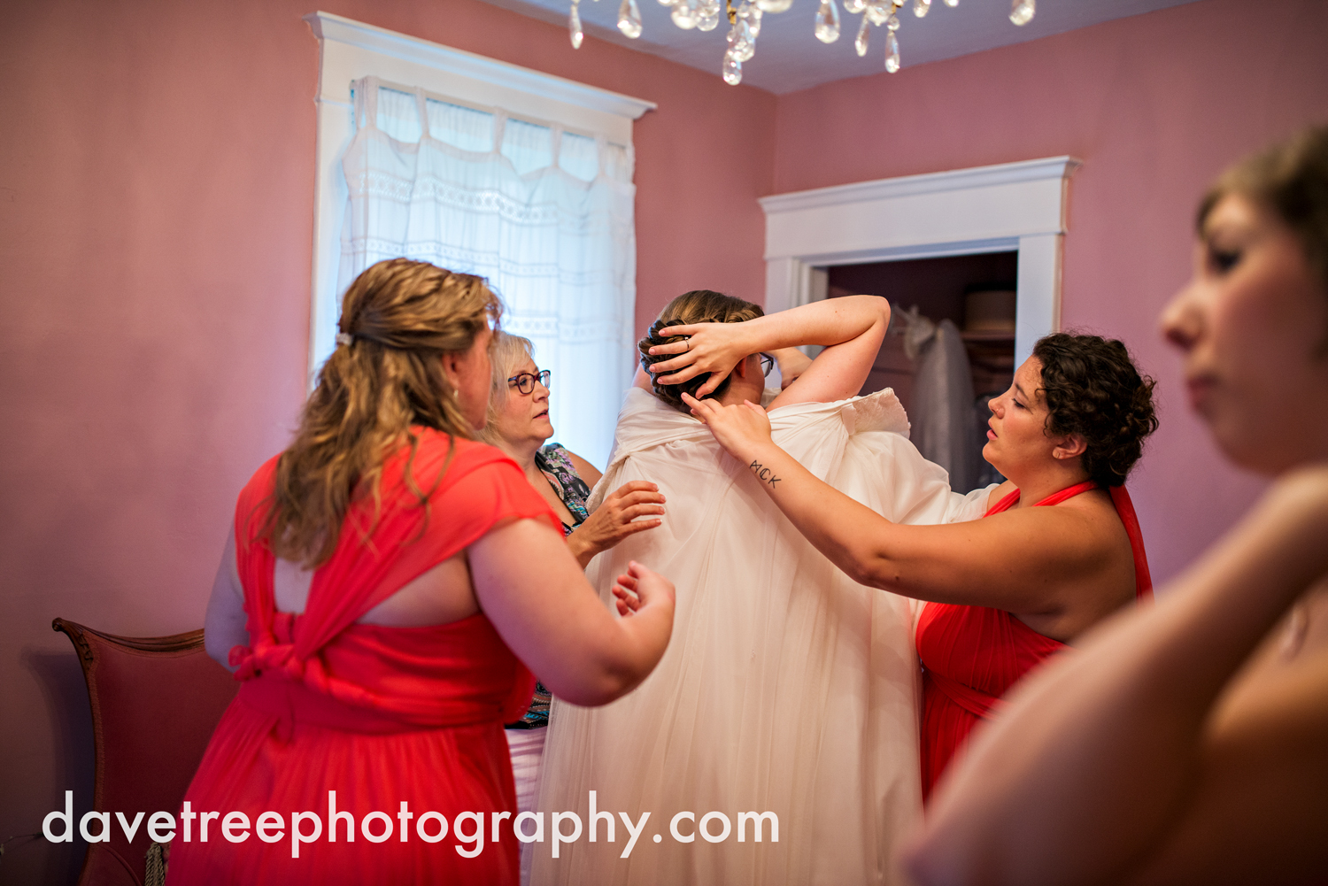 grand_haven_wedding_photographer_weaver_house_wedding_102.jpg
