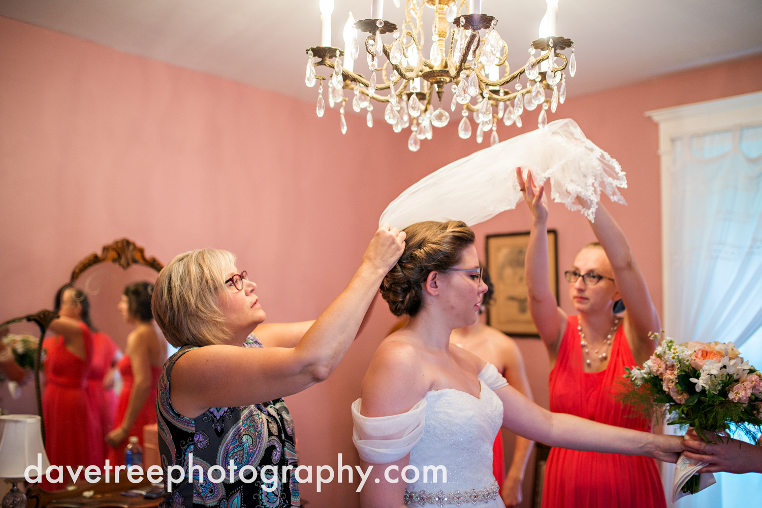 grand_haven_wedding_photographer_weaver_house_wedding_114.jpg