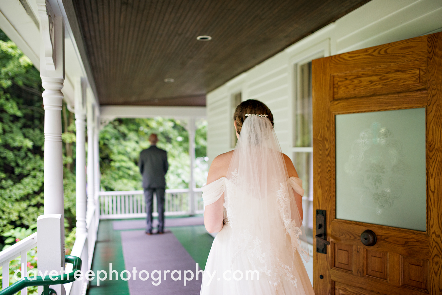 grand_haven_wedding_photographer_weaver_house_wedding_149.jpg