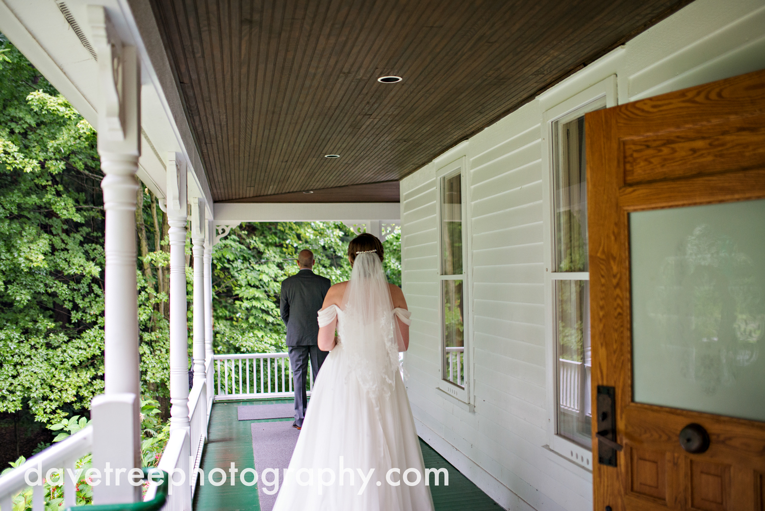 grand_haven_wedding_photographer_weaver_house_wedding_150.jpg