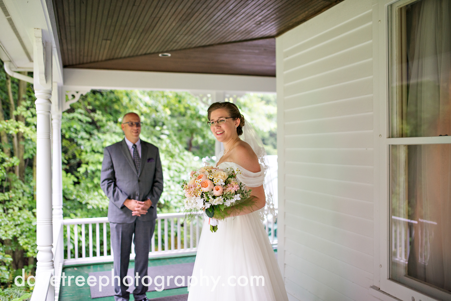 grand_haven_wedding_photographer_weaver_house_wedding_154.jpg