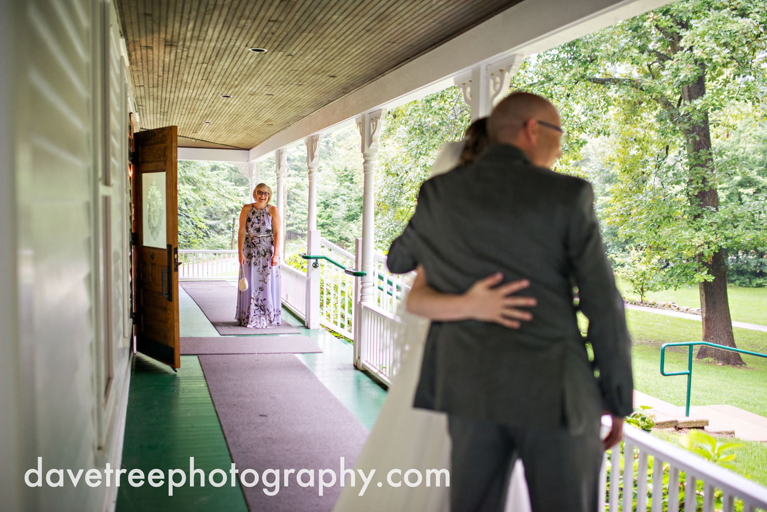 grand_haven_wedding_photographer_weaver_house_wedding_156.jpg