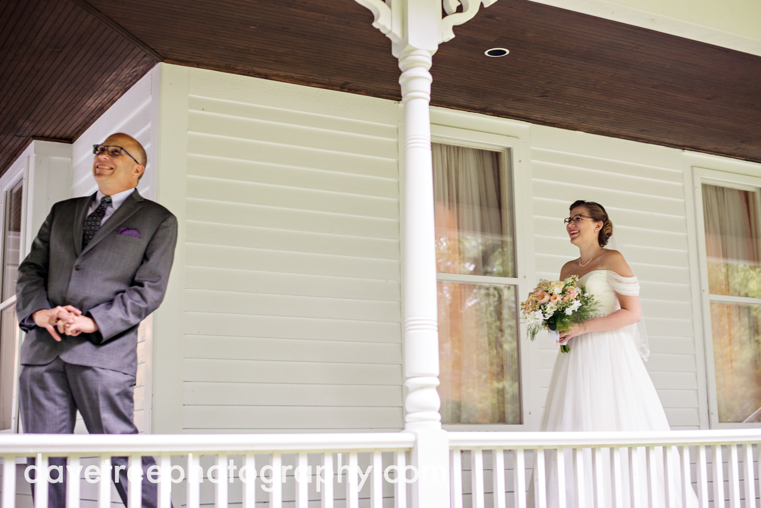 grand_haven_wedding_photographer_weaver_house_wedding_159.jpg