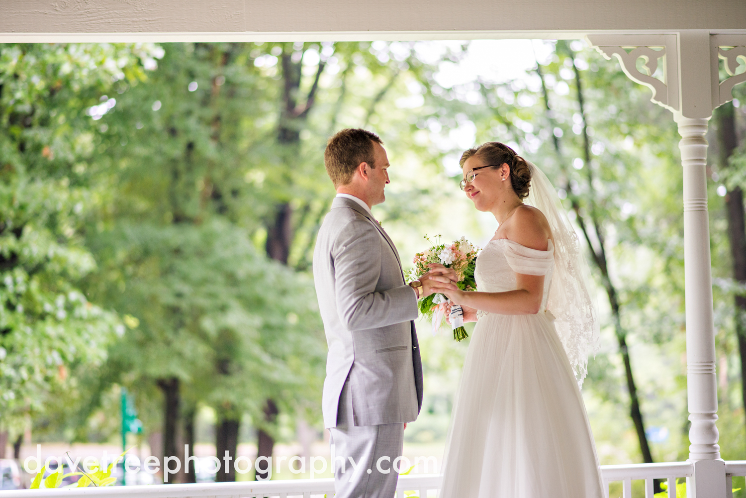 grand_haven_wedding_photographer_weaver_house_wedding_168.jpg