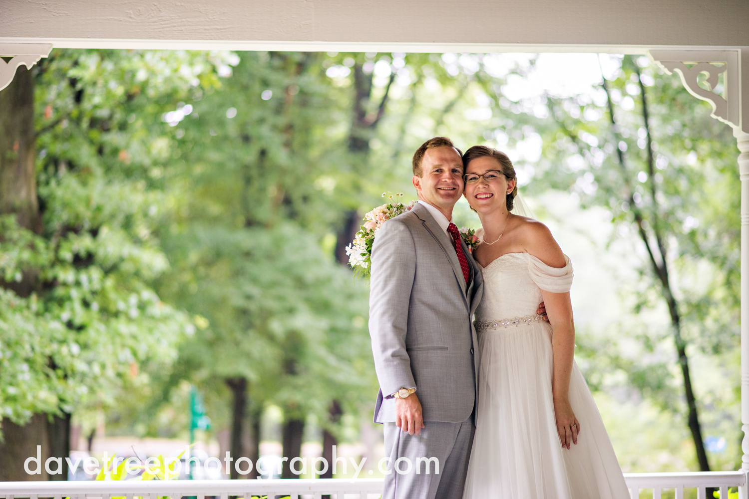 grand_haven_wedding_photographer_weaver_house_wedding_169.jpg