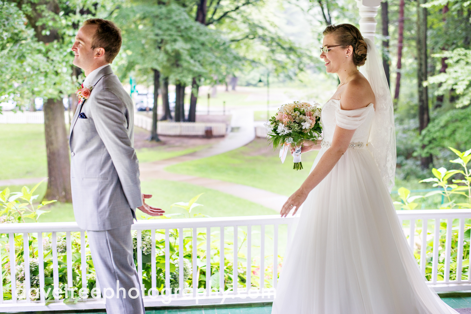 grand_haven_wedding_photographer_weaver_house_wedding_172.jpg