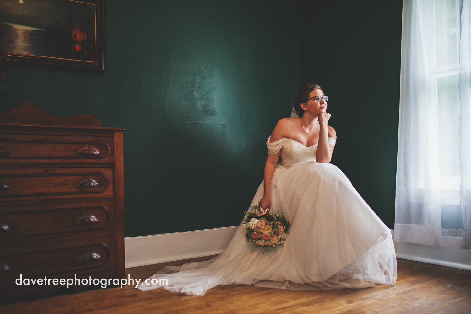 grand_haven_wedding_photographer_weaver_house_wedding_14.jpg