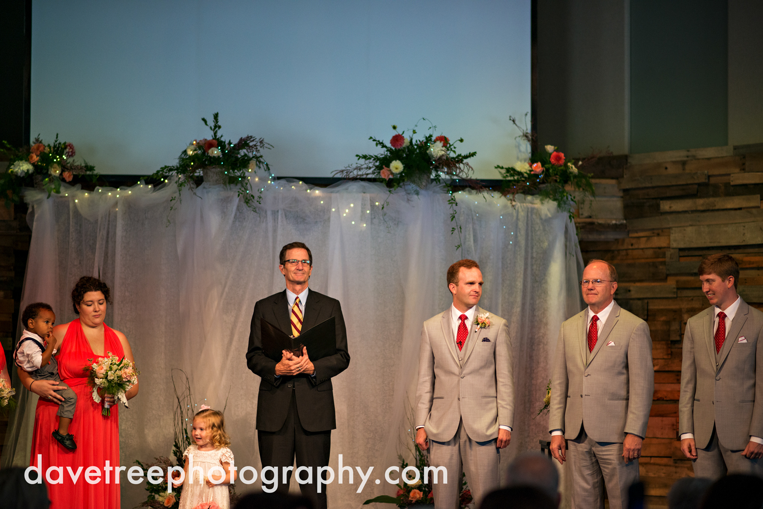 grand_haven_wedding_photographer_weaver_house_wedding_60.jpg