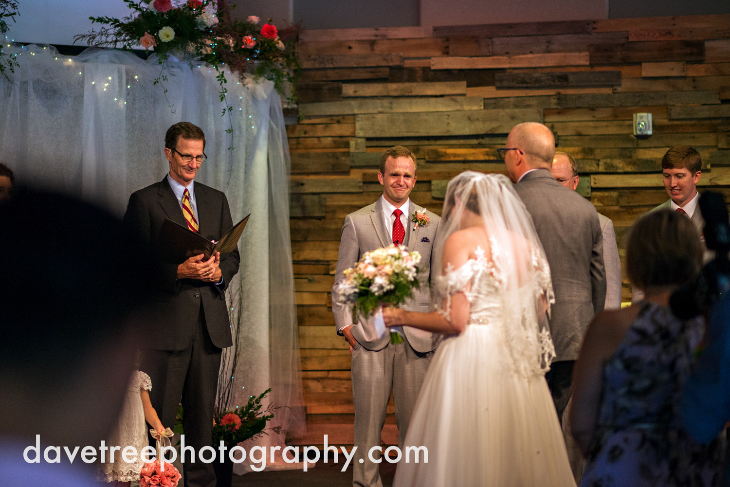 grand_haven_wedding_photographer_weaver_house_wedding_65.jpg