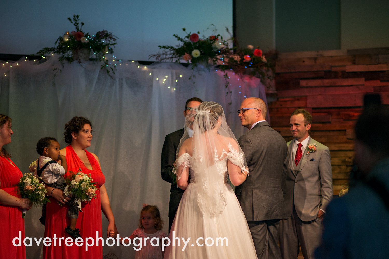 grand_haven_wedding_photographer_weaver_house_wedding_66.jpg