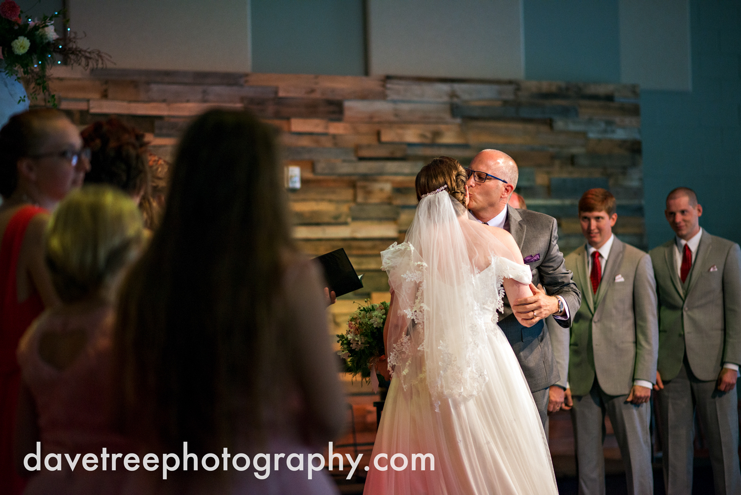 grand_haven_wedding_photographer_weaver_house_wedding_68.jpg