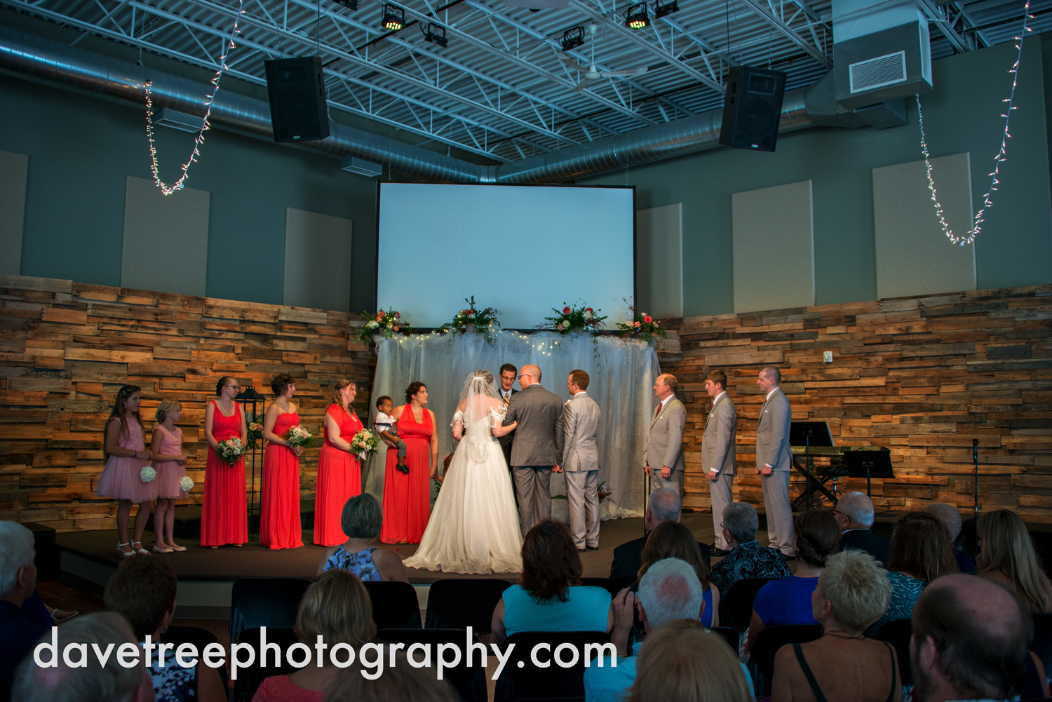 grand_haven_wedding_photographer_weaver_house_wedding_75.jpg