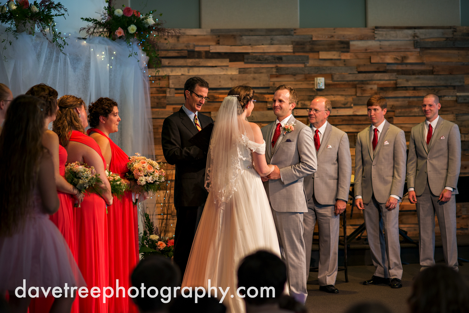 grand_haven_wedding_photographer_weaver_house_wedding_76.jpg
