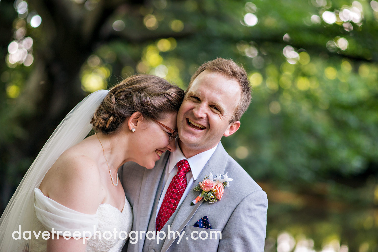 grand_haven_wedding_photographer_weaver_house_wedding_24.jpg