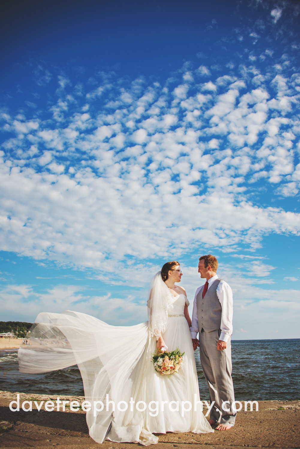 grand_haven_wedding_photographer_weaver_house_wedding_38.jpg