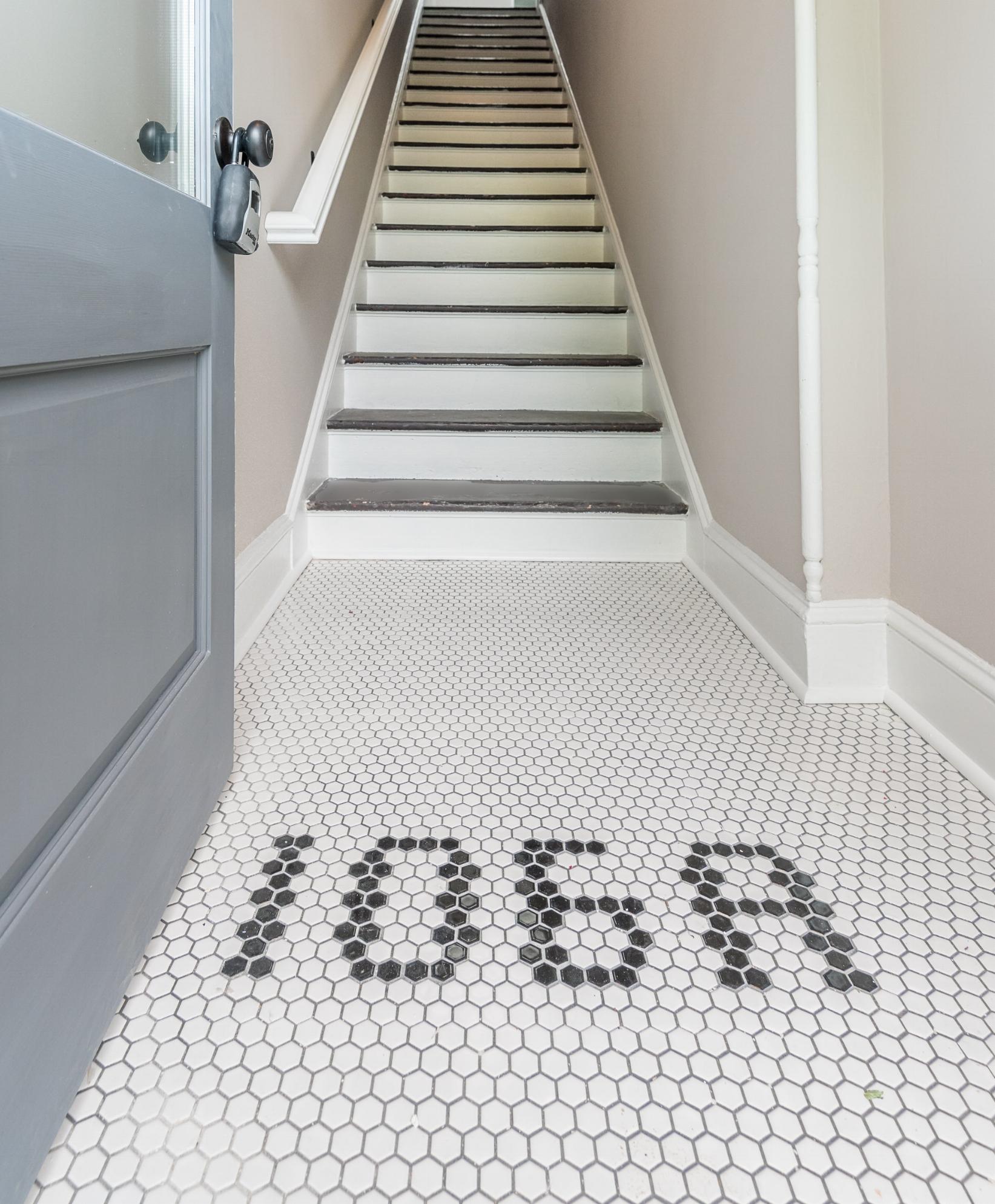 106a foyer.jpg