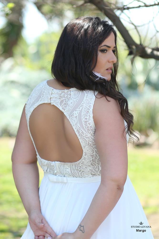Plus_size_boho_wedding_dress_Margo-(4).jpg