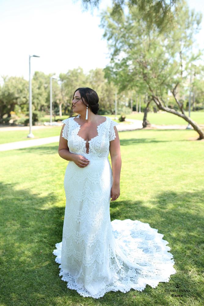 Plus_size_boho_wedding_dress_Esme-(1).jpg