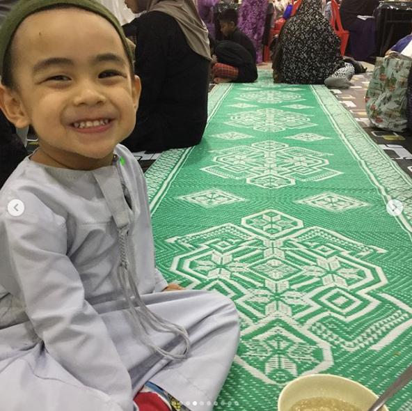 1st moreh together at the Mosque! This boy loves the Bubur Lambuk - just like Ibu :)