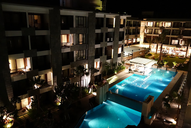 Courtyard-by-Marriott-Bali-Seminyaks-Pool-by-night.jpg
