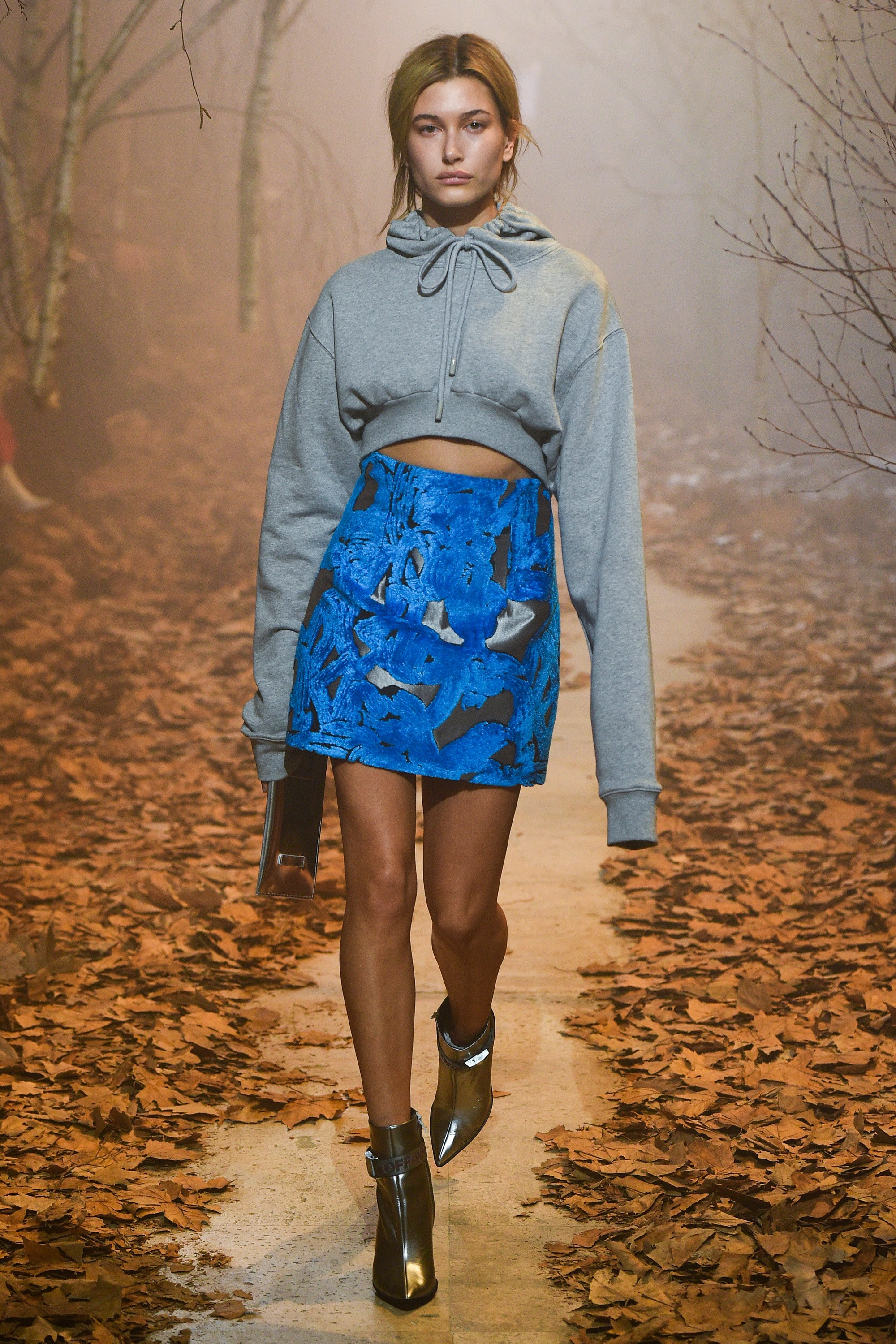 Again, the cropped sweatshirt and skirt look.